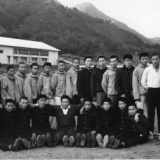 1965年 卒業の先輩を送る思い出の一枚