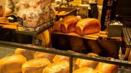 """パン屋の倒産が過去最多…""""高級食パン""""が注目を集める一方、小規模事業者は業況厳しく"""