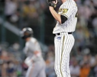 阪神ガンケルが大炎上、伝統の一戦で1イニング7失点 巨人は吉川&坂本に一発