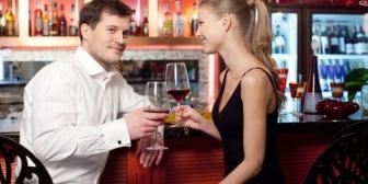 【私が呑兵衛で…】先日彼とBARで飲んでいたら、笑顔で「ていうか、妊娠してお酒辞めれるのー?お酒辞めなきゃいけないんだよー?」と言われて頭が真っ白になった