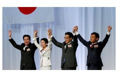 【海外】アメ「FBI解任!」フラ「マクロン!」イギ「総選挙!」韓国「新大統領!」のサムネイル画像