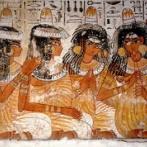 古代エジプト人が頭の上に載せてたものの正体が明らかに