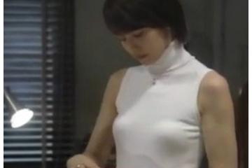 石田ゆり子「こんなおばさんのおっぱいに興味があるの?」