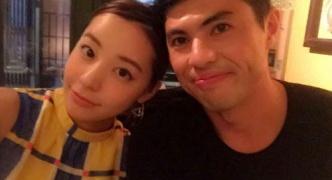 【芸能】小島よしお、妻とのツーショット写真を公開