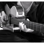 アコースティックギターって家で練習しても大丈夫?
