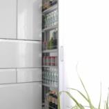 『隙間収納には専用グッズが便利でした! 100均グッズで壁や家電を保護!!』の画像