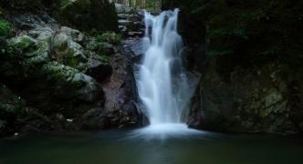ワイがコンデジで撮った滝の写真をうpしてやんよ