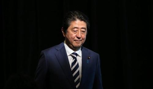 安倍首相が健康上の理由で辞任の意向を固める(海外の反応)