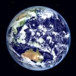 地球は丸いじゃん?ずぅ~っと夜の部分に居続けるように移動してたらどうなるの?