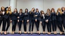 黒スーツ姿がかっこいい IZ*ONE、「2018 MAMA」日本公演のレッドカーペットに登場