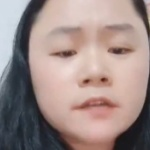 【動画】中国、習近平のポスターに墨汁をかけて精神病院送りになった女、Twitterに出現!