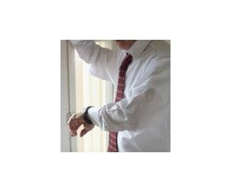 「高級腕時計」は時代遅れ、身に着けるべきは筋肉が鍛えられる「パワーリスト」である
