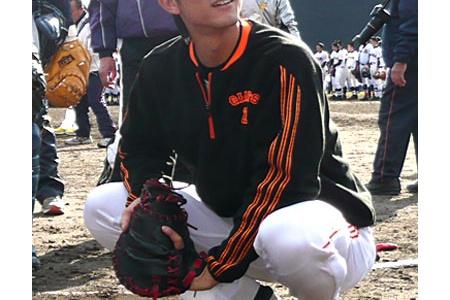 巨人大田、小林らが静岡の高校生に実技指導をする alt=