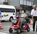 免許を返納し家族を安心させた80歳、車を運転して高校生をはねる 現行犯逮捕