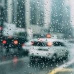 【大雨ヤバイ】岐阜公園前で車が突然吹き飛ぶ事故が発生!その瞬間を収めたドラレコが話題に