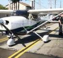 〈動画〉米パイロット、飛行機を車道の真ん中に着地させる
