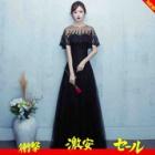 『計算しつくされたデザインで気品ある雰囲気のドレス』の画像