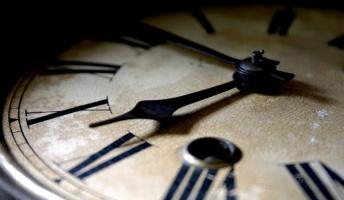 時間っていう概念ってそもそも存在しないんじゃないの?