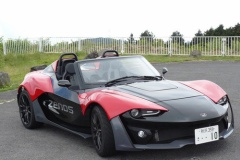 ZENOS『E10S』 車重700kgの車体に250馬力エンジン 日本上陸!