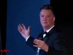 【動画】ユナイテッドのファンハールが酔っぱらって言い訳ばかりしているスピーチが話題にwww