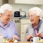 100歳超え老人たちが暴露した長寿の秘訣!「1日30本のタバコ」「昼寝」「スポーツしない」