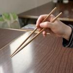【悲報】ワイ、箸の持ち方がおかしいと新入社員に馬鹿にされた結果・・・