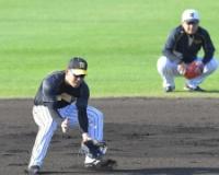 【阪神】糸原 早出特守で汗 フルイニング出場へ二塁、遊撃でも準備