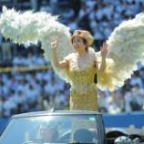 『【野球】小林幸子が始球式史上最速のノーバン999キロ! QVCマリン (サンケイスポーツ)』の画像
