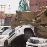 【動画】フィリピン、押収された密輸高級車にドゥテルテ大統領が「ぶっ潰せ!」 [海外]