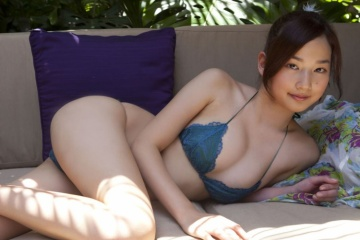 高嶋香帆の大きくて広いエロ股間www