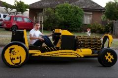 【動画あり】レゴブロックを50万個以上組み上げて実際に走る車を作った猛者が現るwwwwwwwww