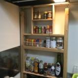 『【DIY】賃貸のキッチンにスパイスラックを作ってみたよ』の画像