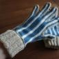 №164-3 2012年末のシマシマかぎ編み手袋 青