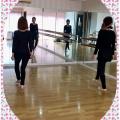 親娘でダンスステップ練習!
