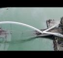 台湾で橋が崩落 車や船が巻き込まれ少なくとも9人が海に転落
