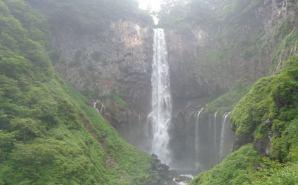 「迫力がハンパない!」華厳の滝