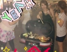 AV女優・天海つばささん、友達とBBQを楽しむ AV女優・成瀬心美さん、BBQする友達がいない