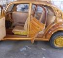 自作した木製のフォルクスワーゲンビートルでNYの娘に会いに行くパパが話題