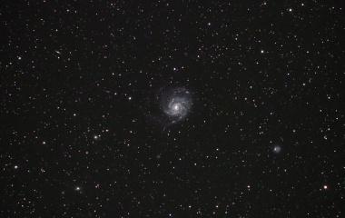 『おおぐま座の冬の回転花火M101』の画像
