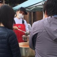 ローラが熊本避難所で炊き出し!志願しお忍び訪問 アイドルファンマスター