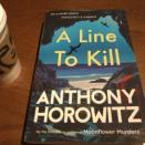 ホロヴィッツ自身が主人公のシリーズ第三弾『A Line to Kill』レビュー