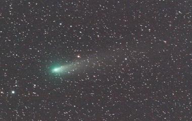 『FSQ-130EDによる本田・ムルコス・パイドゥシャーコヴァー彗星(45P) 25日未明』の画像