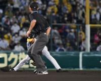 矢野監督「小幡のエラーは難しい打球じゃない。チャレンジして取りに行ったとかそういうのでもない」