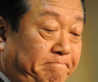 記者「世論は辞任だ」小沢一郎「小沢は潔白だと一か月報道した後で世論調査をやれ」