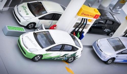 トヨタがHV車の特許2万件以上を無償提供(海外の反応)