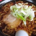 暗黒麺、東へ西へ