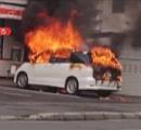 札幌市のコンビニ駐車場で車が突然炎上 車内には練炭 運転手は無事