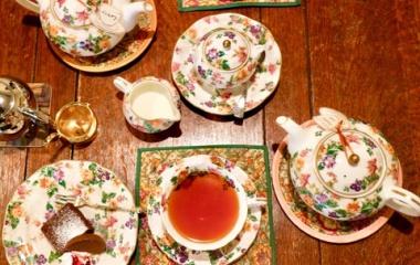 『再訪【カフェ】守口文禄堤 「BUNROKU TEAROOM」の優雅なティーセットでうっとりするひと時を過ごせます』の画像