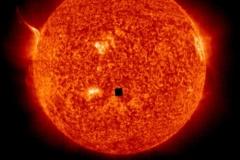 【速報】地球侵略 太陽に ■ の謎の物体が確認される これは完全に地球終わった
