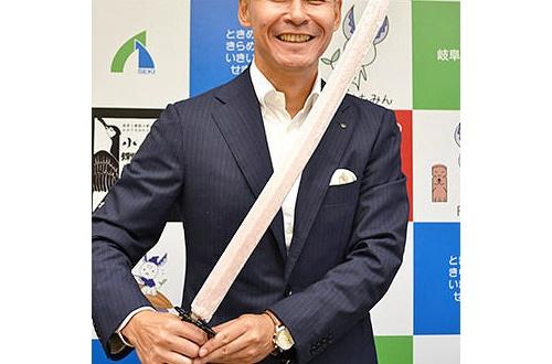 【悲報】あずきバーさん、硬すぎて日本刀にされるwwwwwwwwwwwwwwwのサムネイル画像